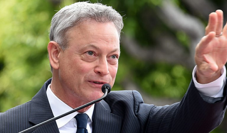 Gary Sinise receives Patriot Award for his helping and supporting veterans